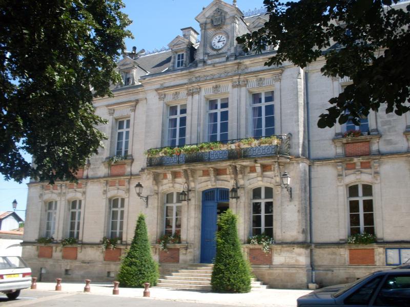 Mansle office de tourisme du pays du ruff cois antenne de mansle mairie de mansle station - Office de tourisme mansle ...